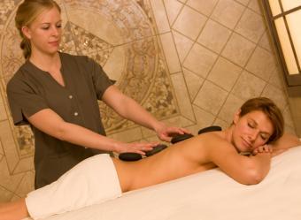 https://cf.ltkcdn.net/stress/images/slide/168038-600x439-work-massage-therapist.jpg
