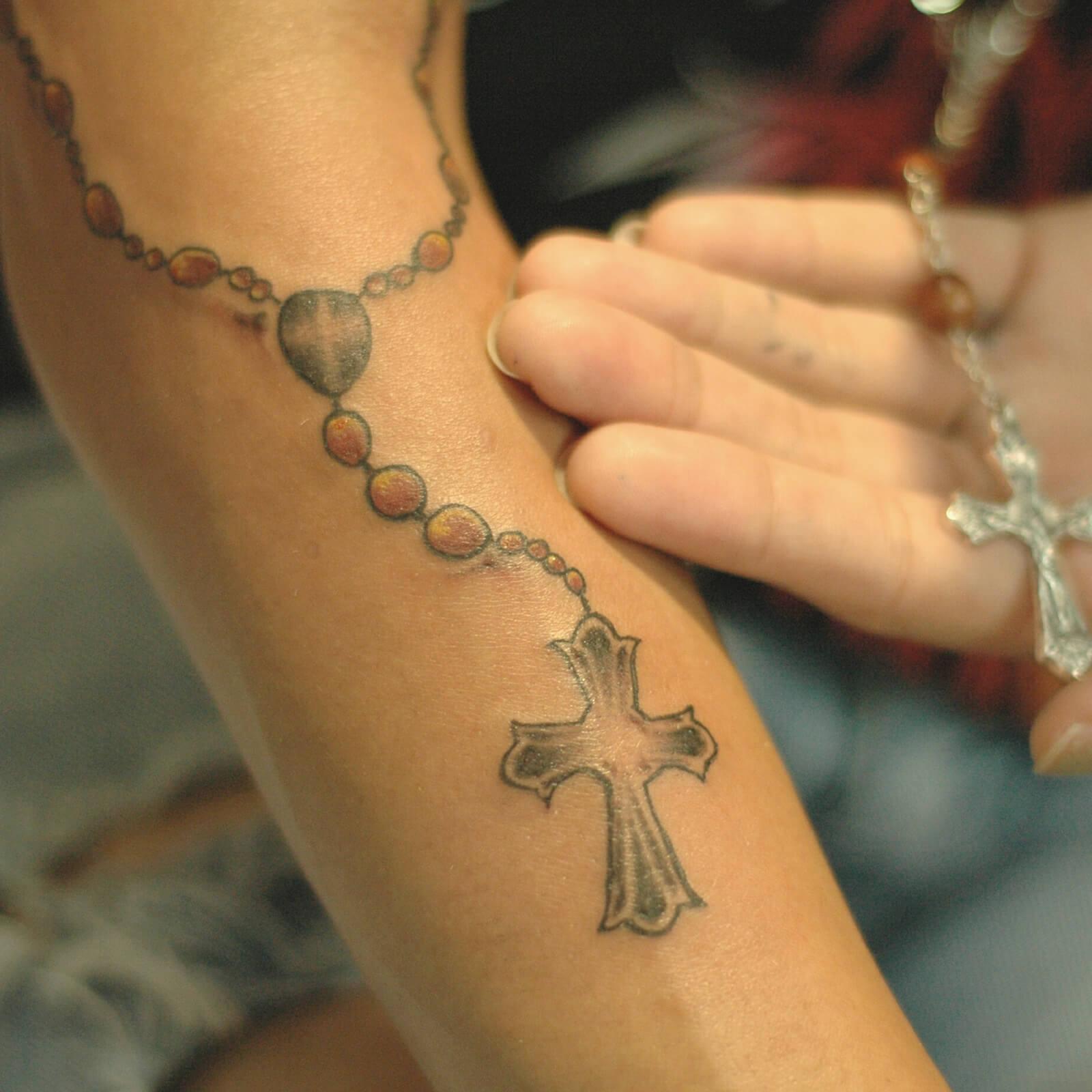 1-tattoo-drawings-crosses.jpg