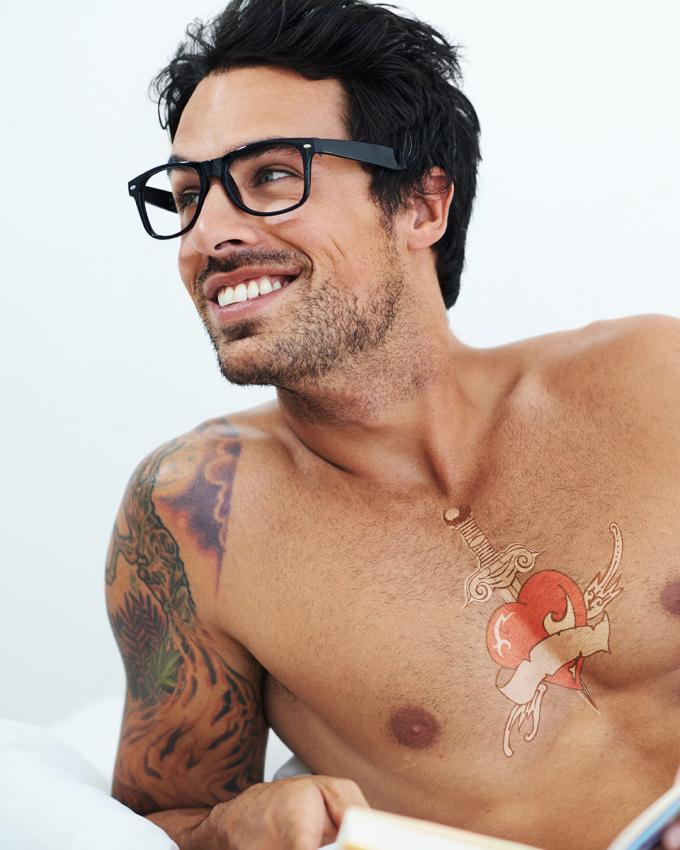 https://cf.ltkcdn.net/tattoos/images/slide/218064-680x850-nerdbrowithtat.jpg