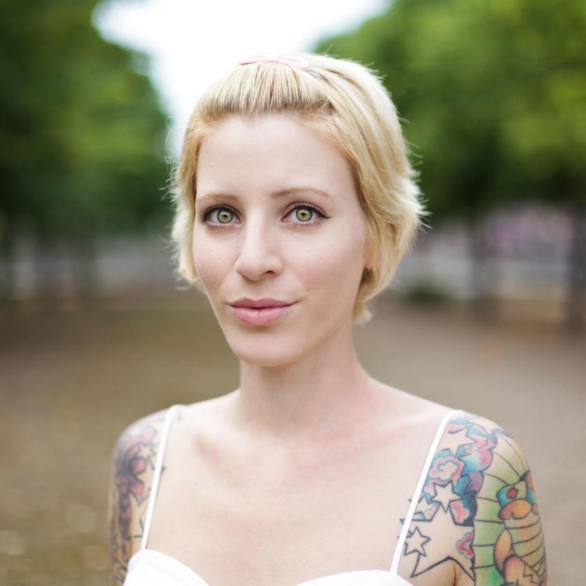 https://cf.ltkcdn.net/tattoos/images/slide/248317-850x850-11-star-tattoo-picture-gallery.jpg