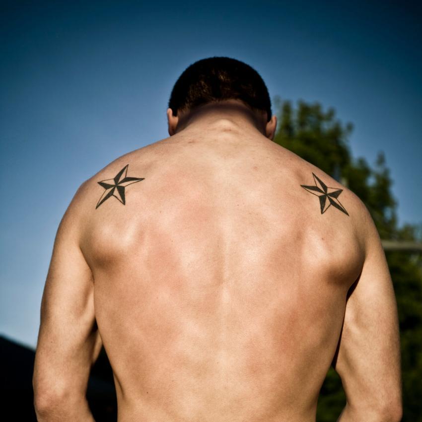 https://cf.ltkcdn.net/tattoos/images/slide/248335-850x850-2-star-tattoo-picture-gallery.jpg