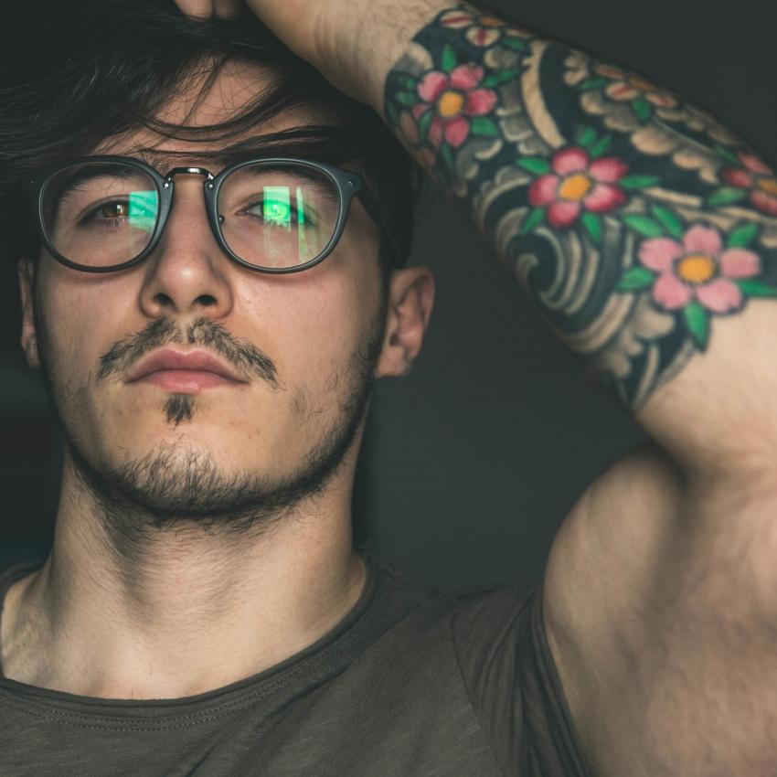 https://cf.ltkcdn.net/tattoos/images/slide/248628-850x850-9-awesome-tribal-armband-tattoos.jpg