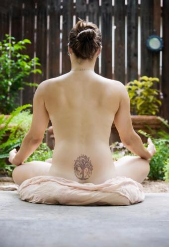 https://cf.ltkcdn.net/tattoos/images/slide/10626-573x838-Bodhi-tree.jpg