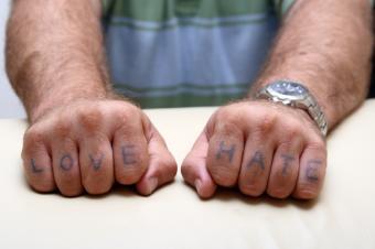 https://cf.ltkcdn.net/tattoos/images/slide/10759-849x565-gangsta2.jpg