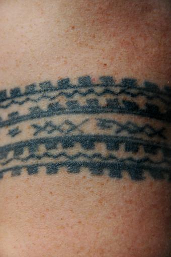 https://cf.ltkcdn.net/tattoos/images/slide/144685-565x850r1-Samoan-tattoo.jpg