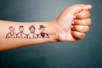 https://cf.ltkcdn.net/tattoos/images/slide/155480-849x565r1-peace.jpg