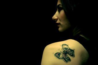 https://cf.ltkcdn.net/tattoos/images/slide/155552-850x563r1-ying-yang-butterfly.jpg