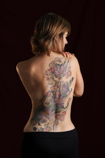 https://cf.ltkcdn.net/tattoos/images/slide/155964-565x850-full-back-piece.jpg