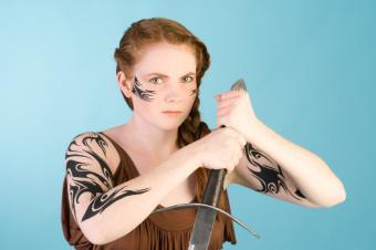 https://cf.ltkcdn.net/tattoos/images/slide/156267-849x565r1-celtic-tribal-%281%29.jpg
