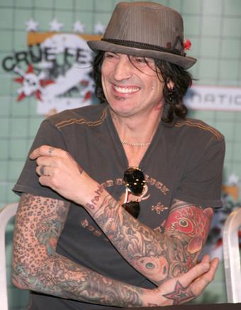 https://cf.ltkcdn.net/tattoos/images/slide/156731-389x500-Tommy-Lee.jpg