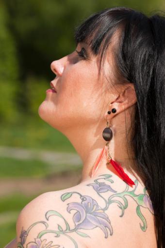 https://cf.ltkcdn.net/tattoos/images/slide/167882-566x848-vines.jpg
