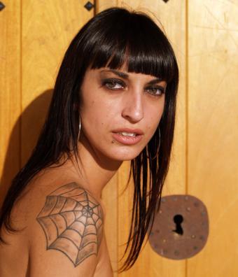 https://cf.ltkcdn.net/tattoos/images/slide/167883-642x748-spiderweb.jpg