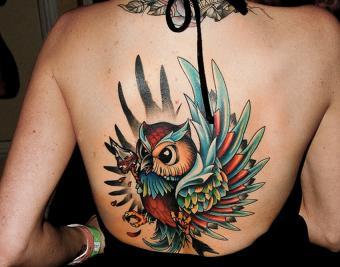 https://cf.ltkcdn.net/tattoos/images/slide/182392-850x668-owl-tattoo-on-back.jpg