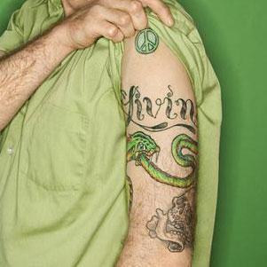 Shoulder snake tat