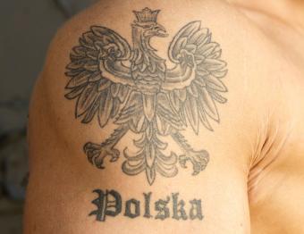 https://cf.ltkcdn.net/tattoos/images/slide/189444-850x656-Poland-National-Coat-of-Arms-Tattoo.jpg