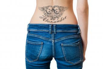 https://cf.ltkcdn.net/tattoos/images/slide/214824-850x567-angeltattoo.jpg