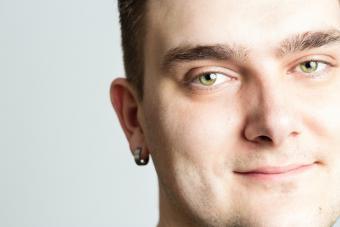 https://cf.ltkcdn.net/tattoos/images/slide/217502-704x469-Pierced-Ears.jpg
