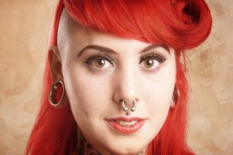 https://cf.ltkcdn.net/tattoos/images/slide/217503-704x469-Nose-Piercing.jpg