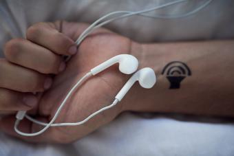 https://cf.ltkcdn.net/tattoos/images/slide/224549-850x567-power-of-music-tattoo.jpg