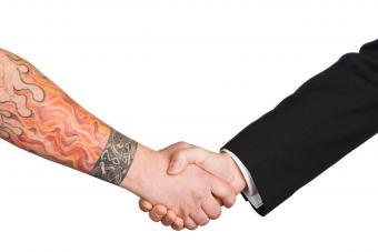 https://cf.ltkcdn.net/tattoos/images/slide/234622-850x567-9-writs-tattoo-bracelet.jpg