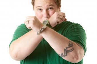 https://cf.ltkcdn.net/tattoos/images/slide/234801-850x567-jagged-armband.jpg
