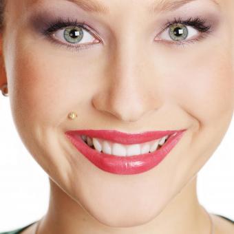 https://cf.ltkcdn.net/tattoos/images/slide/235004-850x850-1-madonna-piercing.jpg