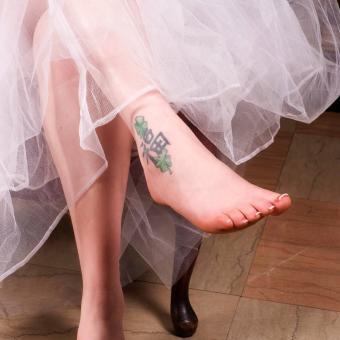 https://cf.ltkcdn.net/tattoos/images/slide/248184-850x850-5-female-ankle-tattoos.jpg