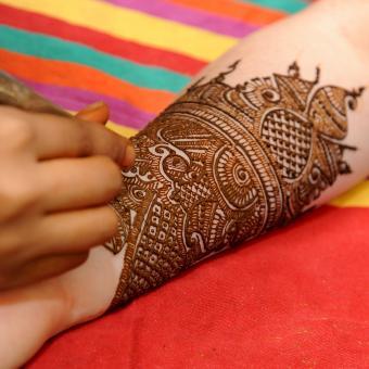https://cf.ltkcdn.net/tattoos/images/slide/248627-850x850-8-awesome-tribal-armband-tattoos.jpg