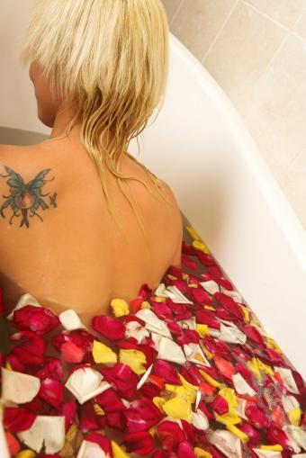https://cf.ltkcdn.net/tattoos/images/slide/25728-566x848r1-fairy-and-butterfly-tatoo.jpg