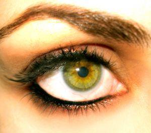 eyebrow