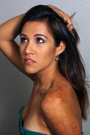 henna shoulder
