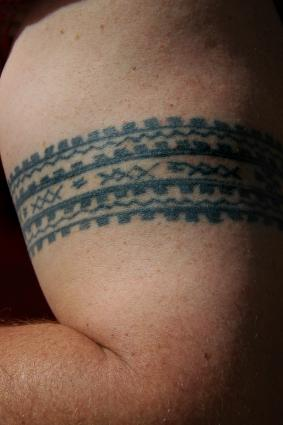 Samoan arm band