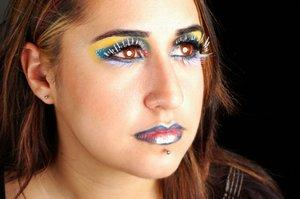 Woman with lowbret piercing