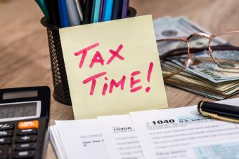 Tax return items with reminder note