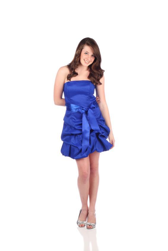 https://cf.ltkcdn.net/teens/images/slide/128472-566x848r1-blue-dress.jpg