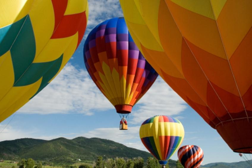 https://cf.ltkcdn.net/teens/images/slide/129426-848x566r2-hot-air-balloon.jpg