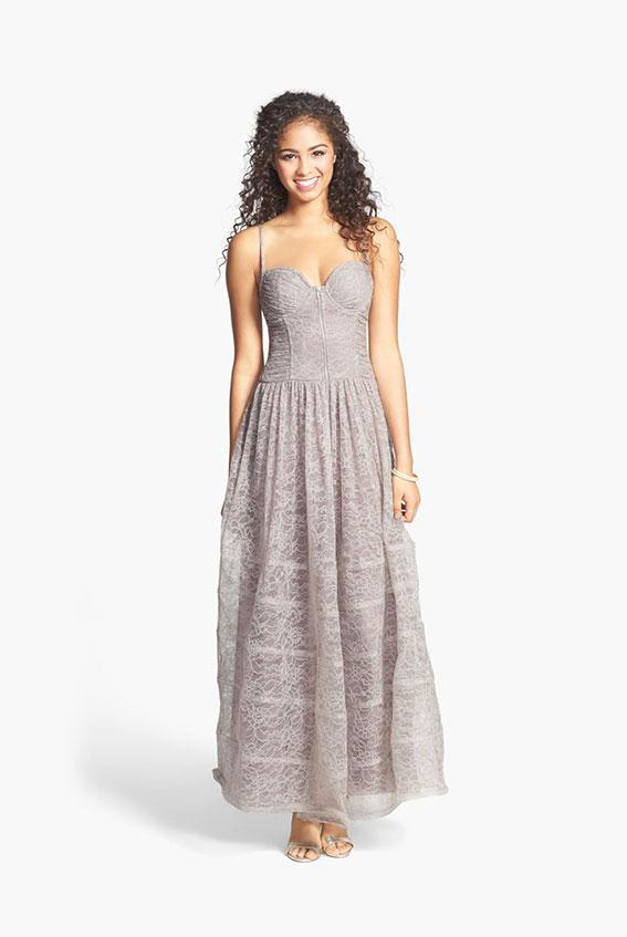https://cf.ltkcdn.net/teens/images/slide/183019-567x847-Betsey-Johnson-Corset-Bodice-Lace-Gown.jpg