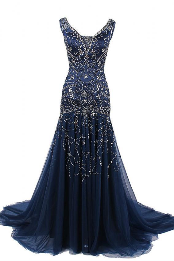 https://cf.ltkcdn.net/teens/images/slide/215751-567x850-beaded-gown.jpg