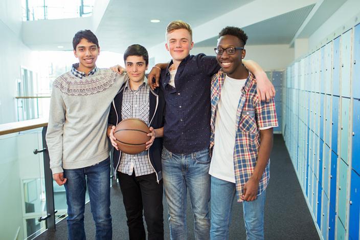 https://cf.ltkcdn.net/teens/images/slide/221294-704x469-Cute-Teenage-Guys.jpg