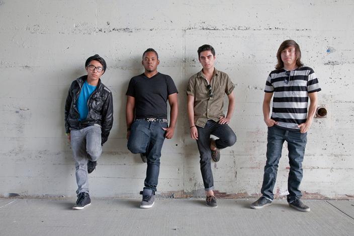 https://cf.ltkcdn.net/teens/images/slide/221313-704x469-Different-Types-of-Cute-Teenage-Guys.jpg