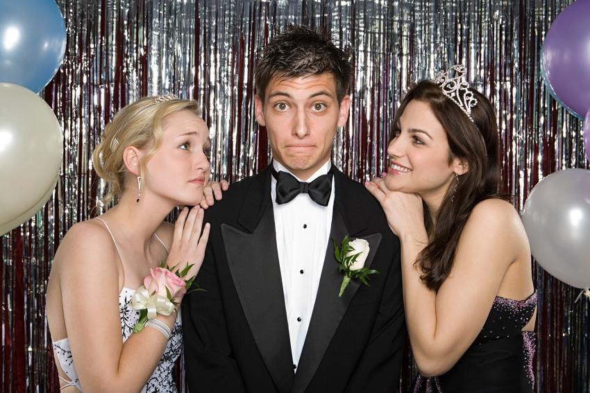 https://cf.ltkcdn.net/teens/images/slide/242879-850x567-boy-with-two-girls-at-prom.jpg