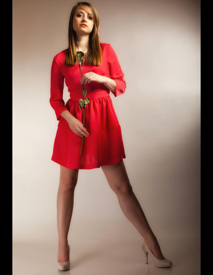 https://cf.ltkcdn.net/teens/images/slide/245991-850x1093-16-options-homecoming-dresses.jpg