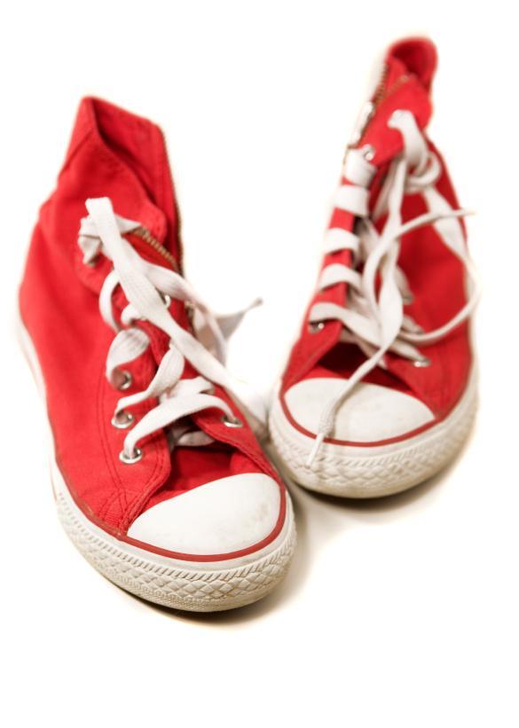 https://cf.ltkcdn.net/teens/images/slide/91530-585x821-Red-Sneakers.jpg