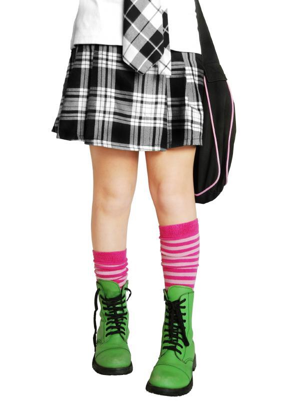 https://cf.ltkcdn.net/teens/images/slide/91534-582x825-mini-skirt-gallery-4.jpg