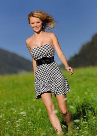 https://cf.ltkcdn.net/teens/images/slide/128467-586x819r1-patterned-dresses.jpg