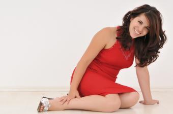 https://cf.ltkcdn.net/teens/images/slide/143044-850x563r1-simple-red-silver-shoes.jpg