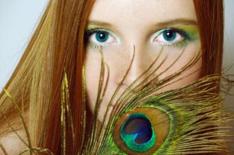 https://cf.ltkcdn.net/teens/images/slide/146349-849x565r1-hair-feather.jpg
