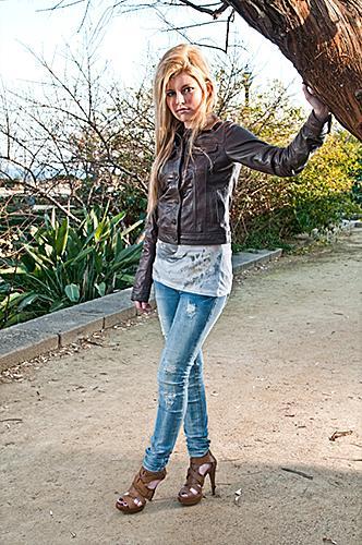 https://cf.ltkcdn.net/teens/images/slide/155348-332x500-Heels-jeans.jpg