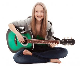 https://cf.ltkcdn.net/teens/images/slide/166053-764x628-girl-with-guitar.jpg