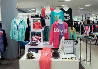 Bloomingdale's clothing display